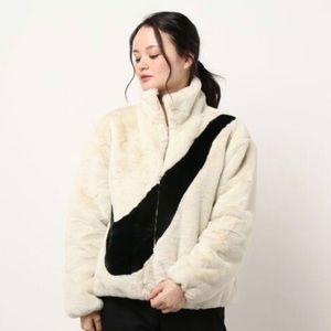 ✔️ NWT✔️ NIKE Sportswear Faux Fur Jacket ~ XS